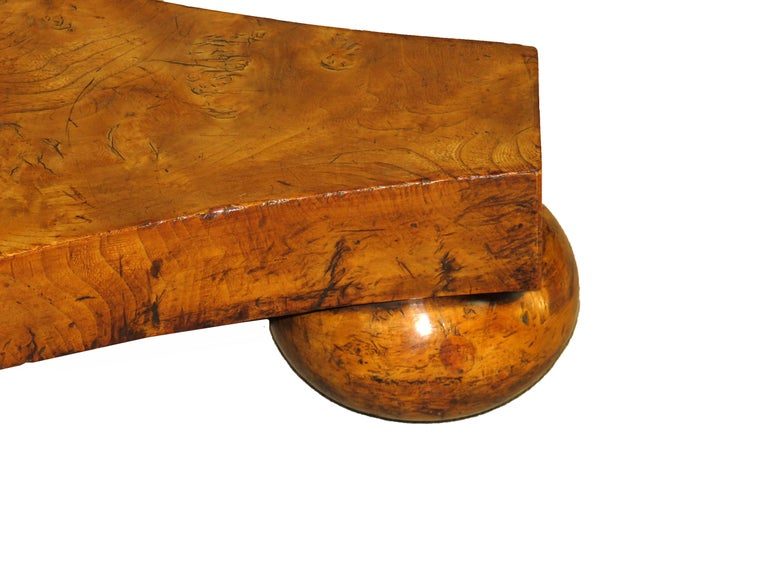 English William IV Burr Elm 19th Century Centre Table For Sale 3