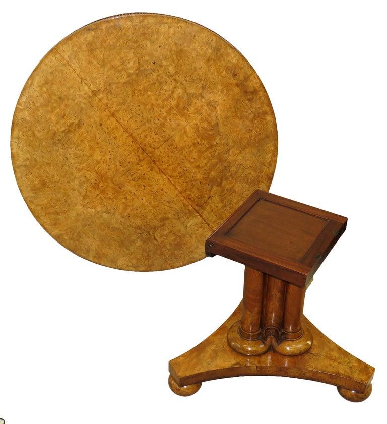 English William IV Burr Elm 19th Century Centre Table For Sale 4