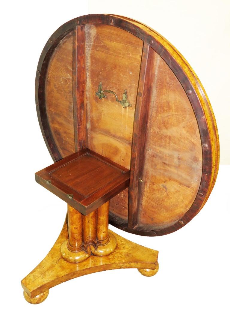 English William IV Burr Elm 19th Century Centre Table For Sale 6