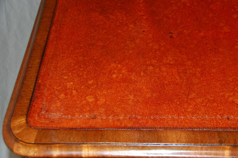English William IV Mahogany Leather Top Writing Table For Sale 2