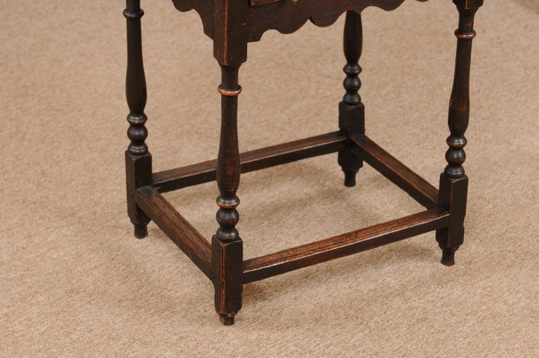 English William & Mary Style Oak Side Table, Late 18th Century In Good Condition For Sale In Atlanta, GA