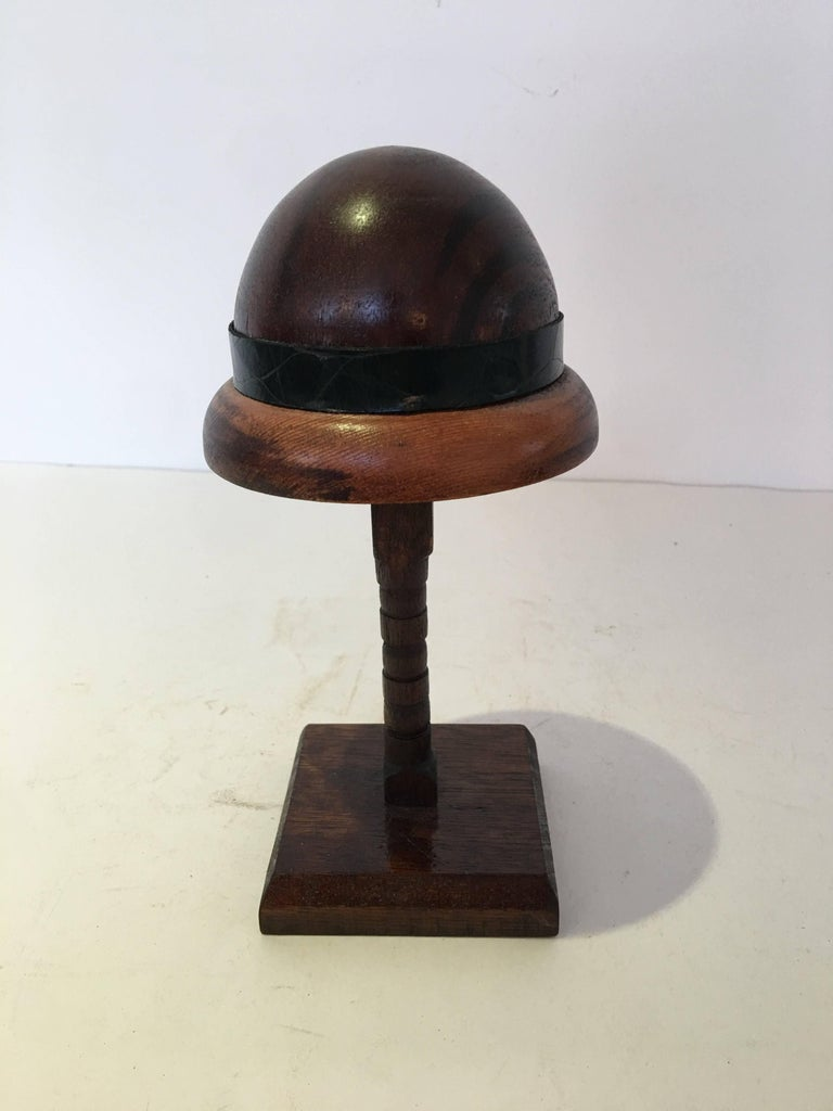 English Wood Doll Hat Mold In Excellent Condition For Sale In Bridgehampton, NY