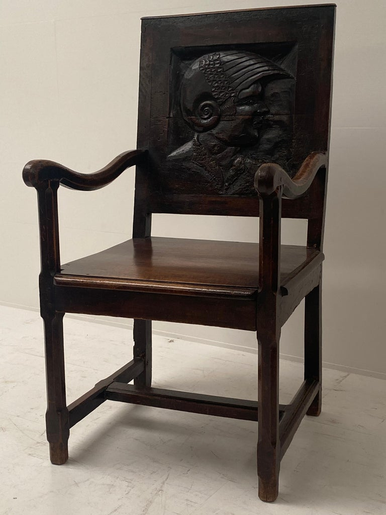 English Wooden Chair, 17th Century In Good Condition For Sale In Schellebelle, BE