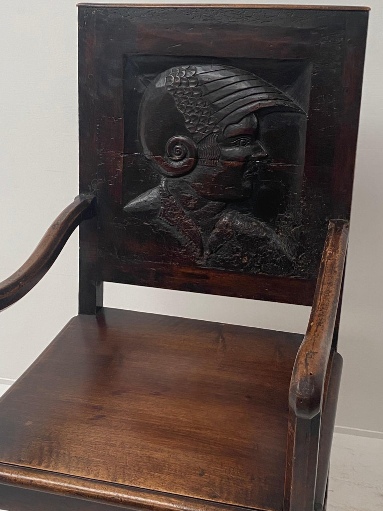 English Wooden Chair, 17th Century For Sale 1