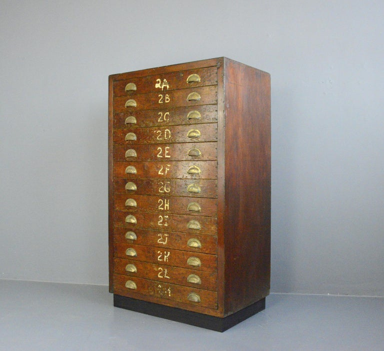 English Workshop Drawers, circa 1930s For Sale 4