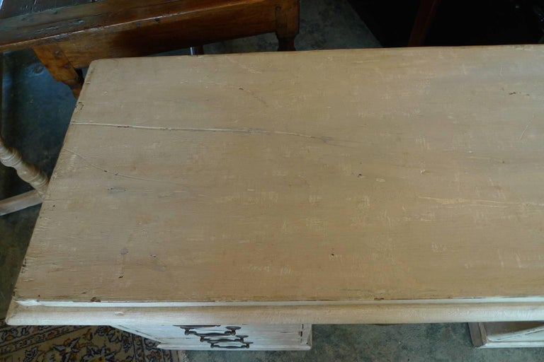 English Painted Knee-Hole Writing Desk with 9 Drawers and Original Hardware In Distressed Condition For Sale In Santa Monica, CA