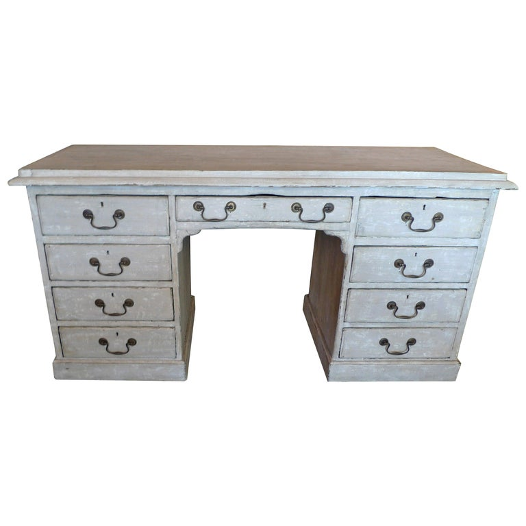English Painted Knee-Hole Writing Desk with 9 Drawers and Original Hardware For Sale