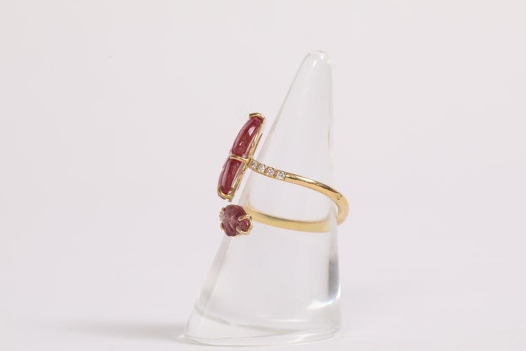 Engraved Pink Tourmaline Leaves Ring Created by Marion Jeantet For Sale 3