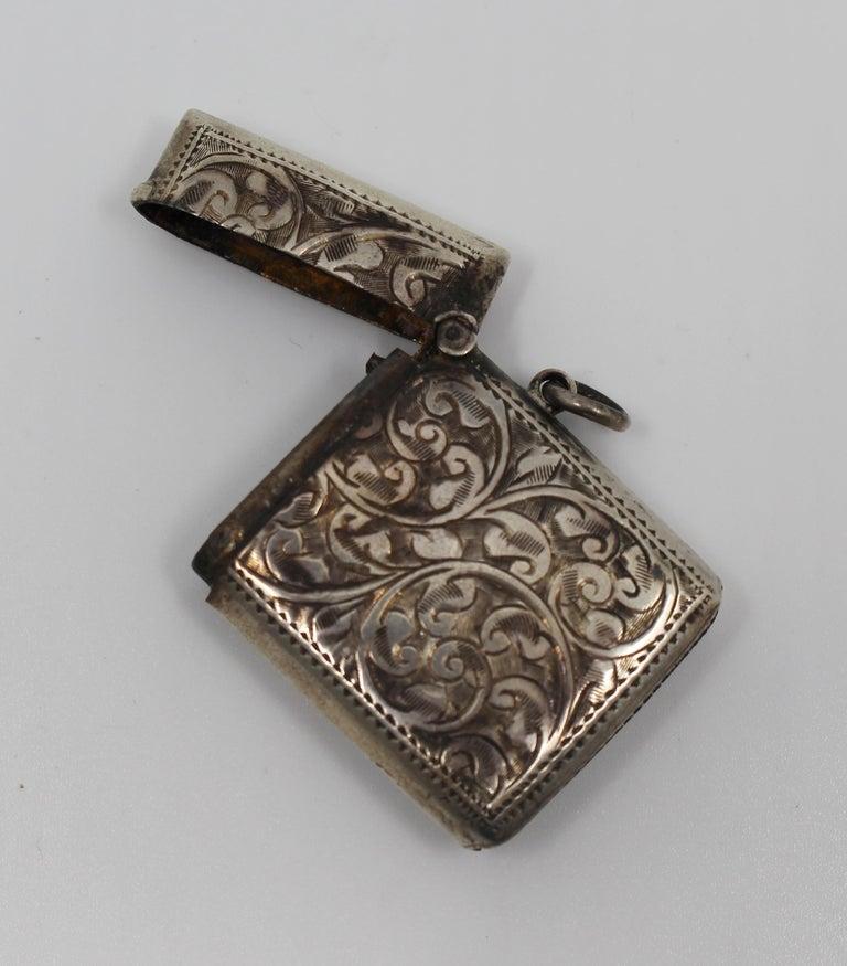 Engraved Sterling Silver Vesta Case, Birmingham, 1915 For Sale 3