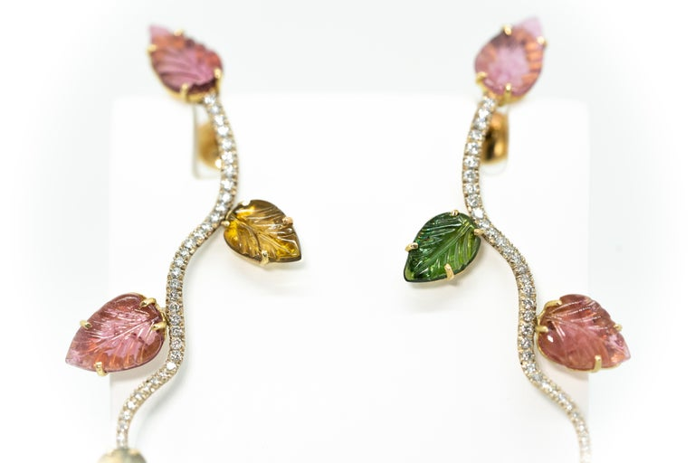 Contemporary 18K White and Yellow Gold Earrings Set with Engraved Tourmalines and Diamonds For Sale