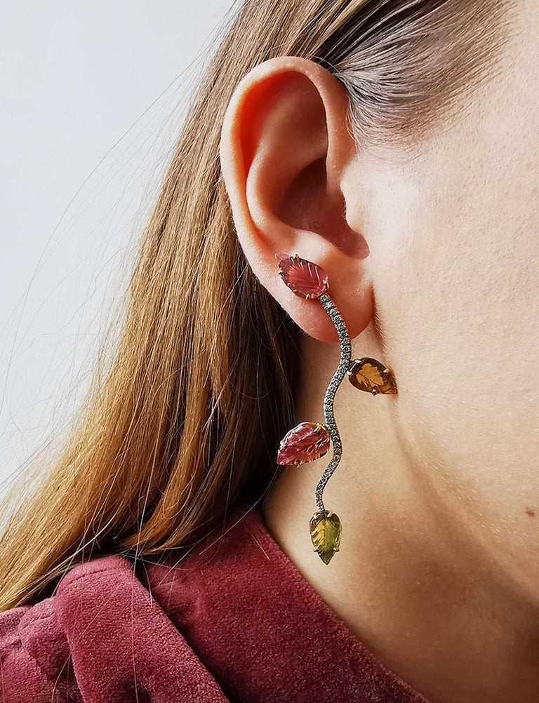 Mixed Cut 18K White and Yellow Gold Earrings Set with Engraved Tourmalines and Diamonds For Sale