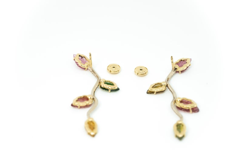 Women's or Men's 18K White and Yellow Gold Earrings Set with Engraved Tourmalines and Diamonds For Sale