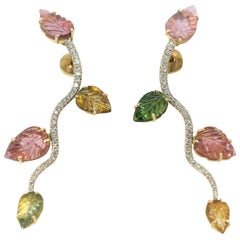 18K White and Yellow Gold Earrings Set with Engraved Tourmalines and Diamonds
