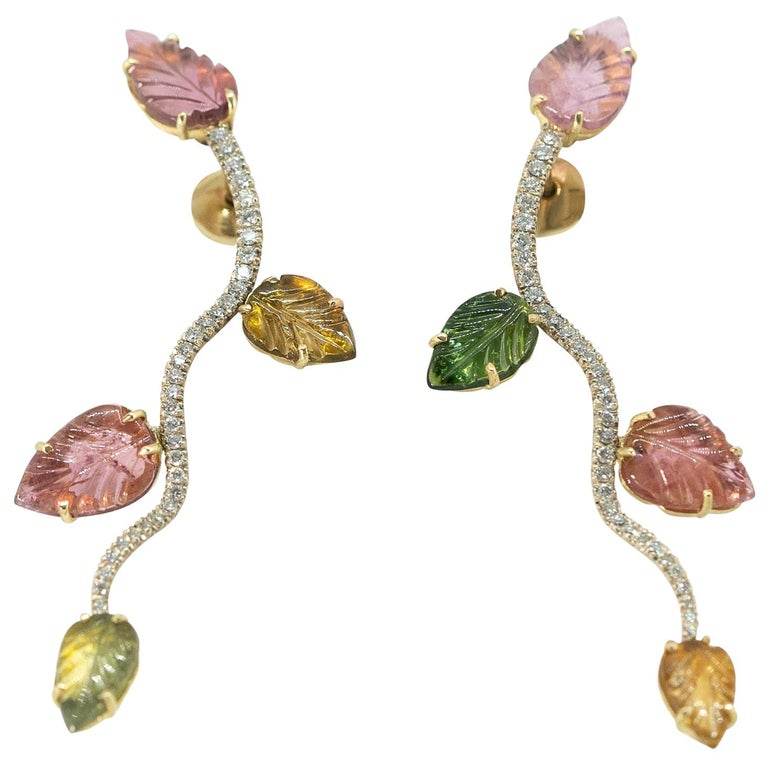 18K White and Yellow Gold Earrings Set with Engraved Tourmalines and Diamonds For Sale