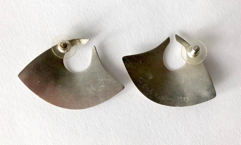 Enid Kaplan Onyx Sterling Silver Gold Brass Married Metals Earrings In Good Condition For Sale In Los Angeles, CA