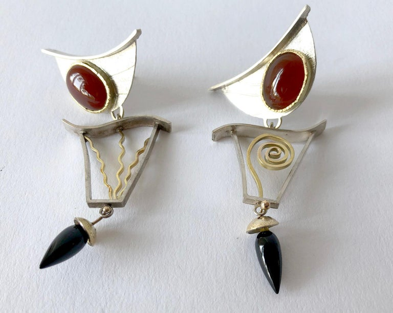 Enid Kaplan Sterling Silver Gold Carnelian Onyx Postmodernist Synergy Earrings In Excellent Condition For Sale In Los Angeles, CA