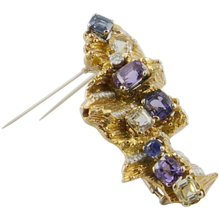 Enrico Serafini 1960s 18 Karat Gold Diamond and Natural Sapphire Italian Brooch For Sale