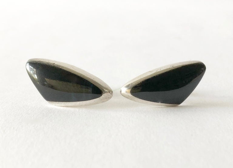 Women's or Men's Enrique Ledesma Sterling Silver Obsidian Mexican Modernist Cufflinks For Sale