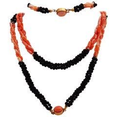 Ensemble of Bracelet and Necklace Coral and Onyx
