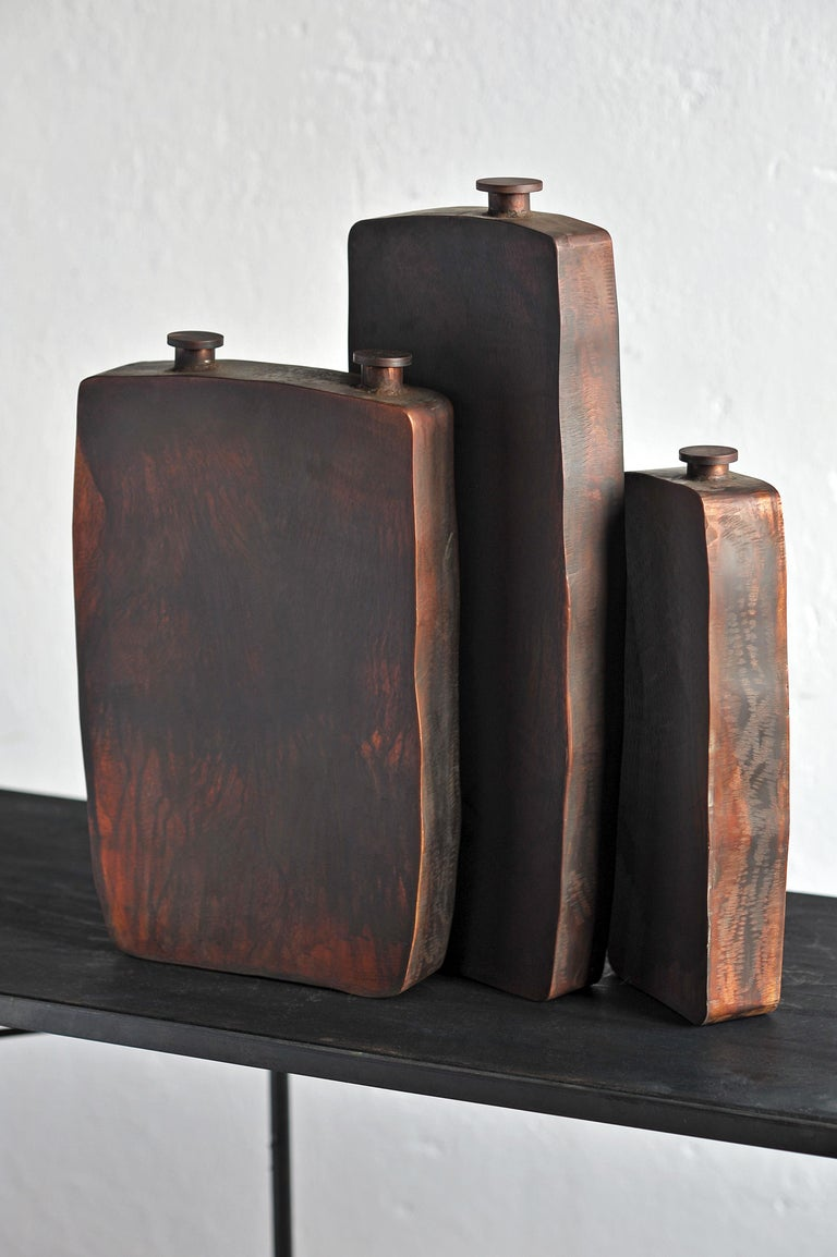 Ensemble of Three Brown Bottles by Lukasz Friedrich In New Condition For Sale In Geneve, CH