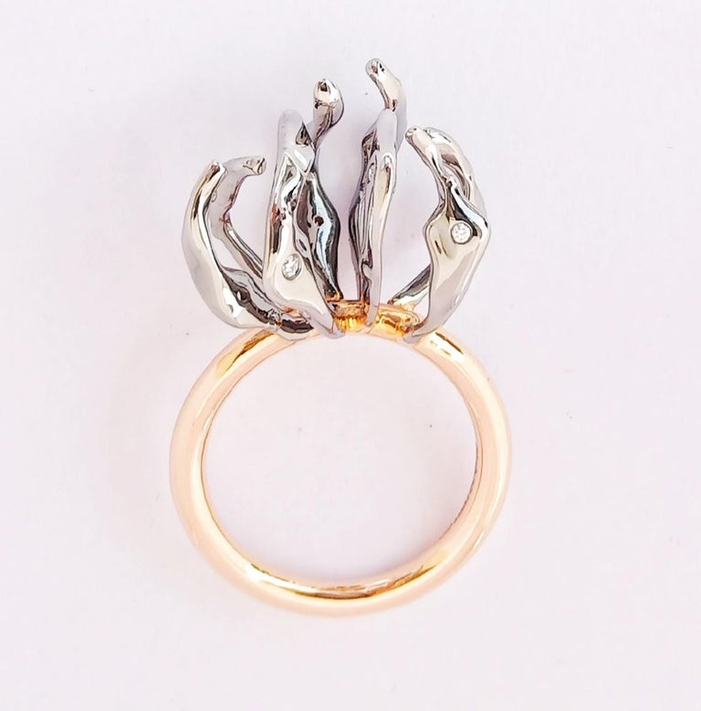 Envious Eyes will Roll with Contemporary One of a Kind White Diamond Gold Ring In New Condition For Sale In NEW DELHI, IN