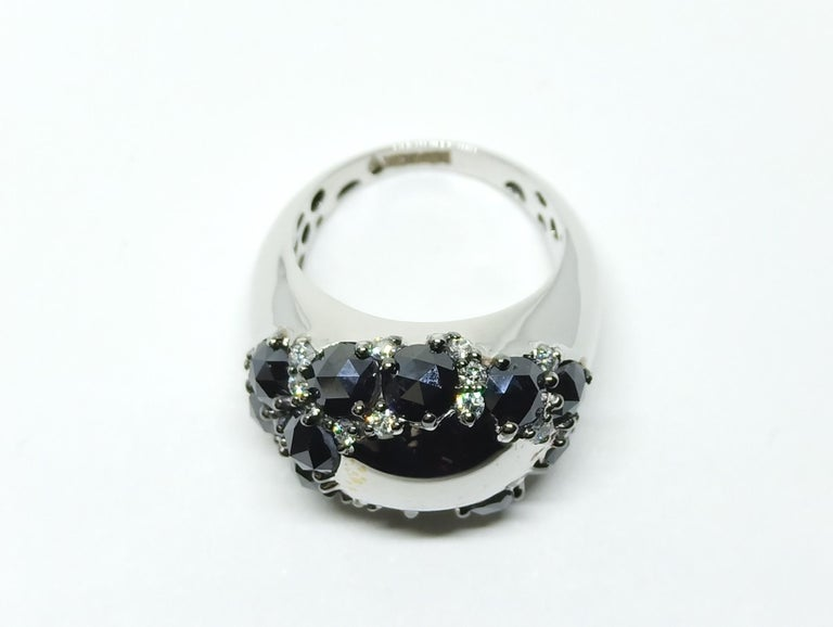 Envious Eyes will Roll with One of a Kind Black & White Diamond White Gold Ring In New Condition For Sale In NEW DELHI, IN
