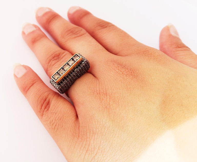 Envious Eyes will Roll with One of a Kind Colored Diamond Yellow Gold Ring For Sale 6