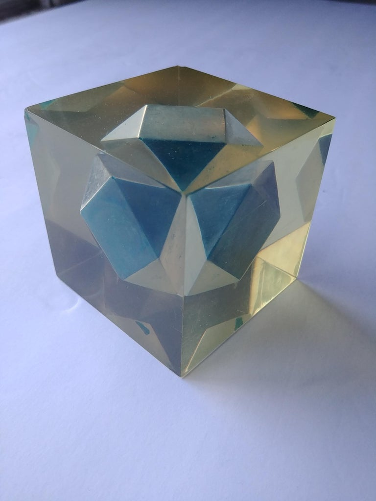 This is a very rare Mari resin cube from the 1950s, it measures in cm 7 x 7 x 7, has a couple of flee bites in 2 corners. Similar sample with black inside in Progressione di sculpture, Italy.