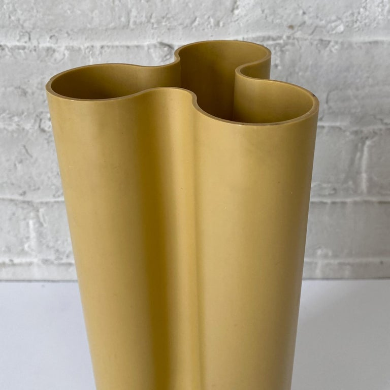 Enzo Mari Trifoglio Vase for Danese In Good Condition In New York, NY