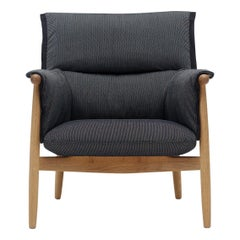 Eoos E015  Embrace Lounge Chair