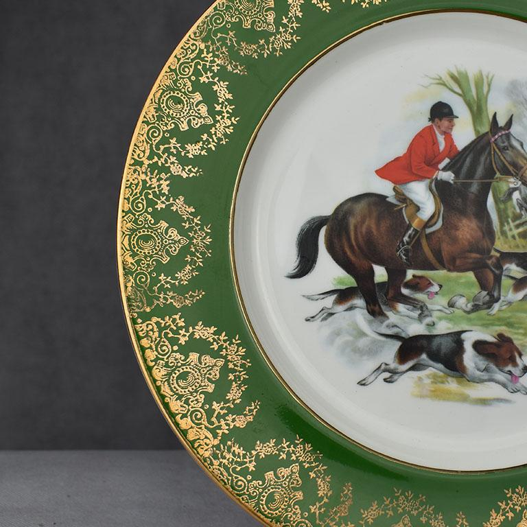 English Equestrian Hunting Scene Plate in Green and Gold For Sale