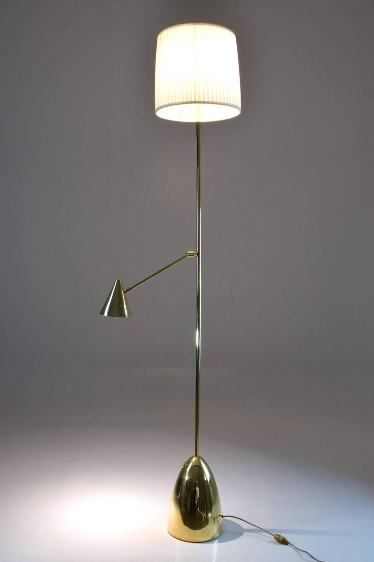 Equilibrium-IV Contemporary Double Light Brass Floor Lamp, Flow Collection In New Condition For Sale In Paris, FR