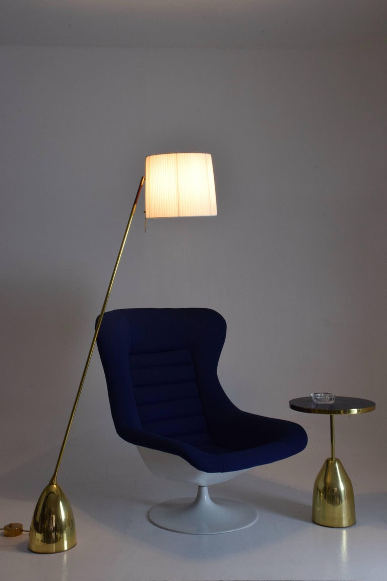 Equilibrium-IV Contemporary Tall Articulating Brass Floor Lamp, Flow Collection For Sale 1