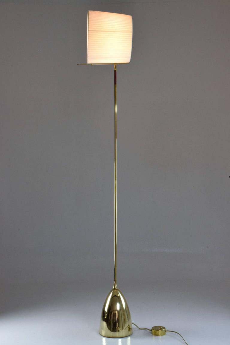 Equilibrium-IV Contemporary Tall Articulating Brass Floor Lamp, Flow Collection In New Condition For Sale In Paris, FR