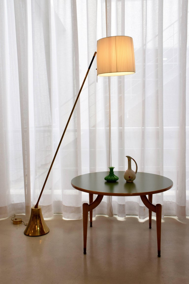 Equilibrium-VII Tall Brass Articulating Floor Lamp, Flow Collection For Sale 4