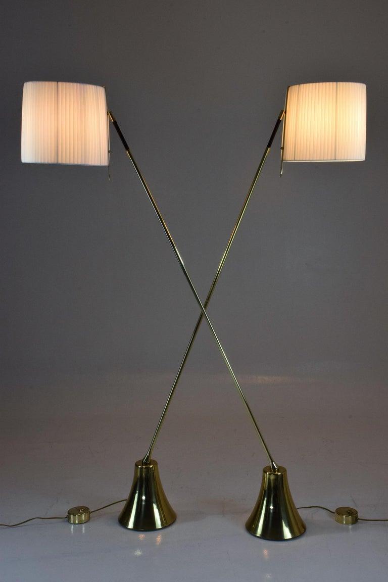 Equilibrium-VII Tall Brass Articulating Floor Lamp, Flow Collection For Sale 1