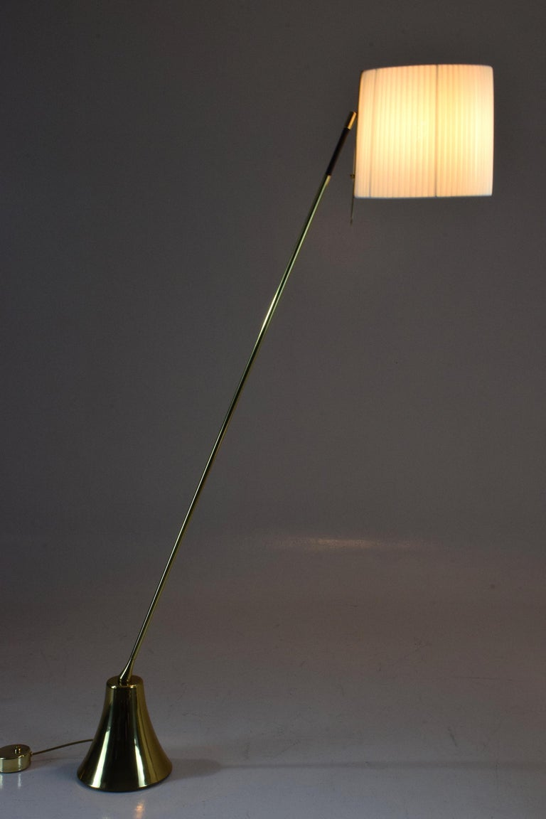 Equilibrium-VII Tall Brass Articulating Floor Lamp, Flow Collection For Sale 3
