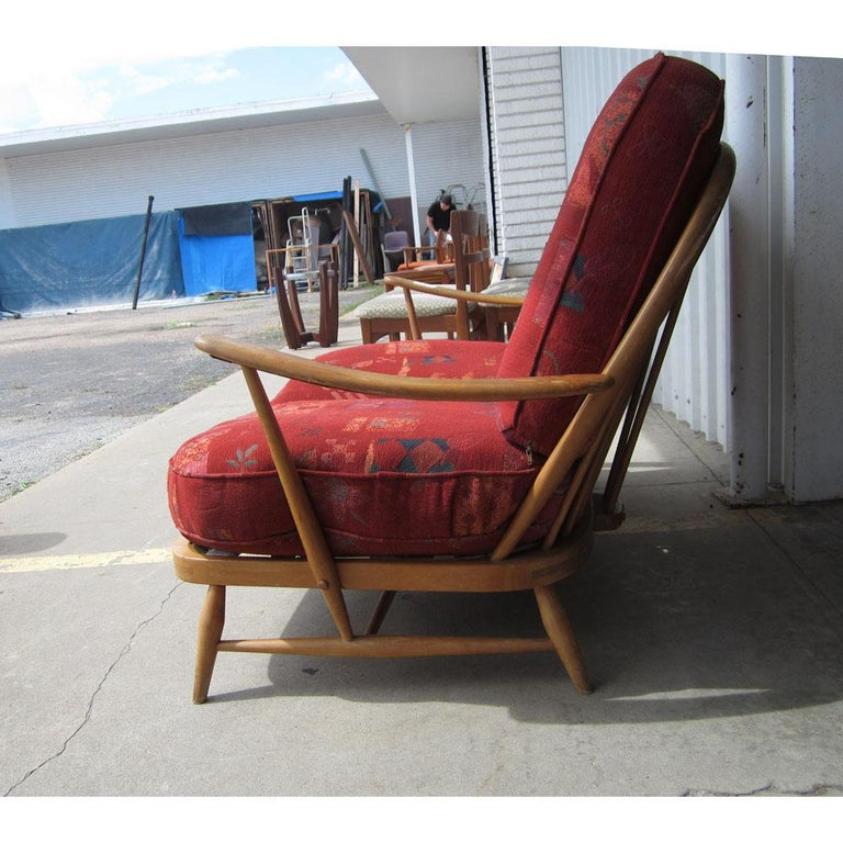 Ercol Spindleback Settee and Lounge Chair Set In Good Condition For Sale In Pasadena, TX