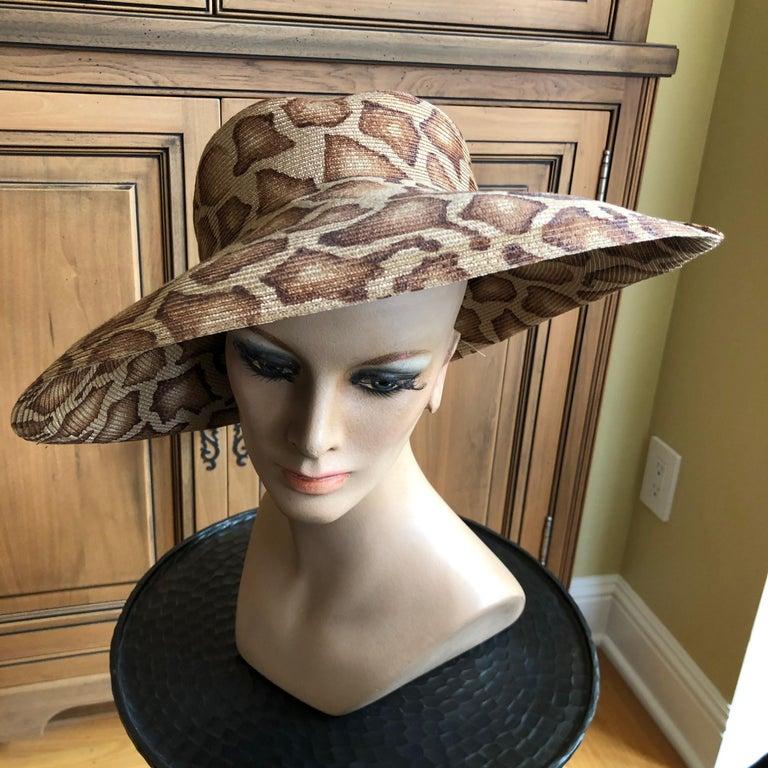 Eric Javits Wide Brim Giraffe Print Straw Hat In Good Condition In San Francisco, CA