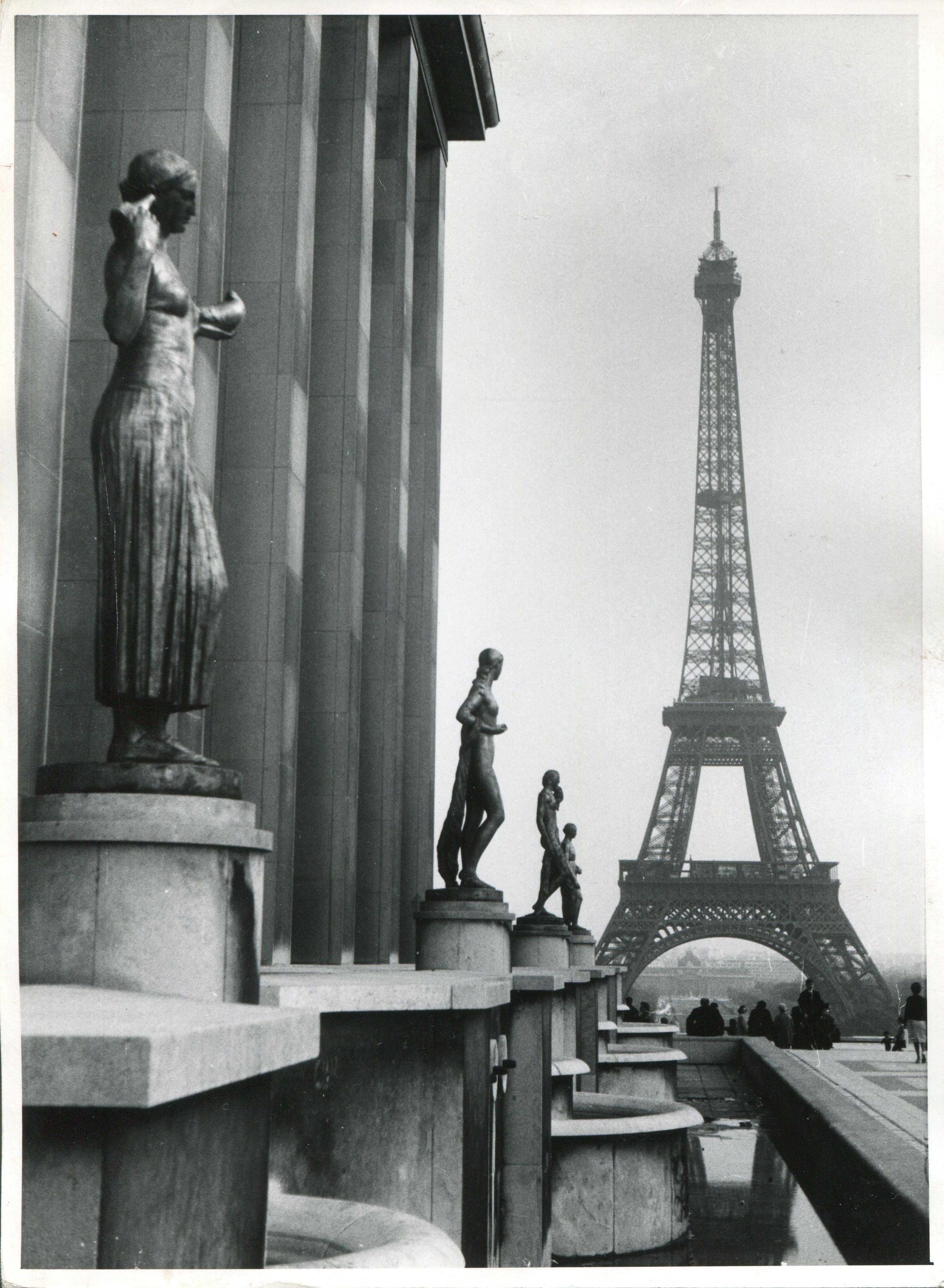 Eifeltower, Paris, 1955