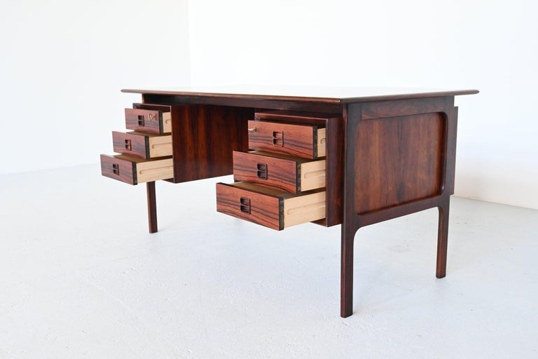 Erik Brouer Rosewood Desk Brouer Møbelfabrik, Denmark, 1960 In Good Condition In Etten-Leur, NL