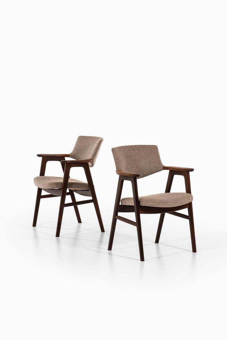 Scandinavian Modern Erik Kirkegaard Armchairs / Dining Chairs by Høng Stolefabrik in Denmark For Sale