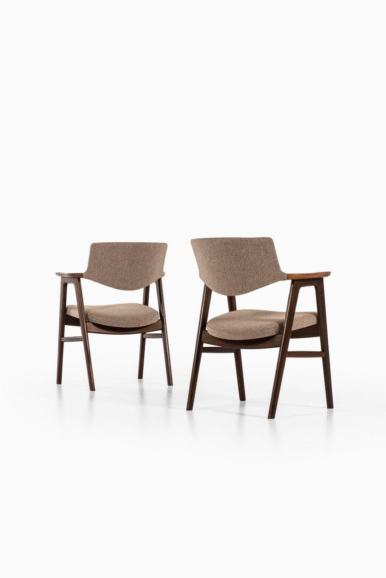 Erik Kirkegaard Armchairs / Dining Chairs by Høng Stolefabrik in Denmark For Sale 1