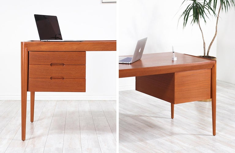 Erik Riisager Hansen Executive Teak Desk for Haslev Møbelsnedkeri For Sale 13