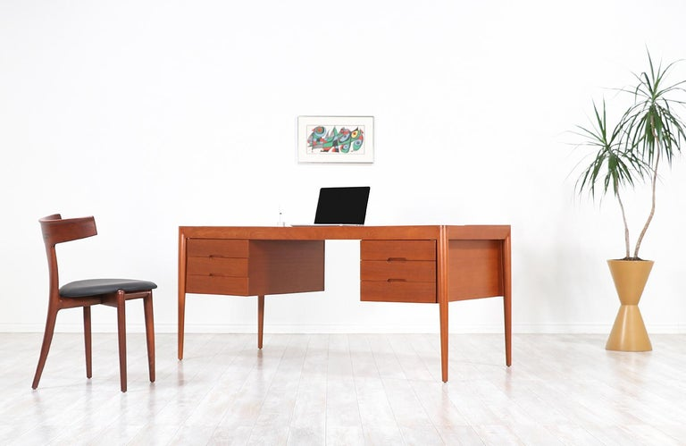Erik Riisager Hansen Executive Teak Desk for Haslev Møbelsnedkeri For Sale 2