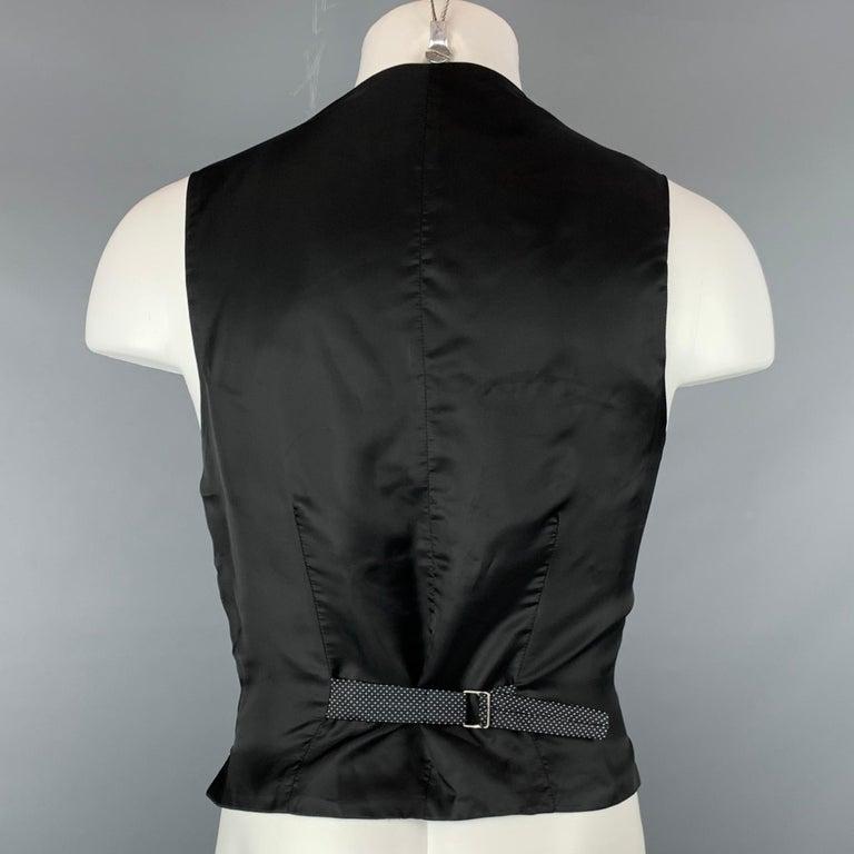ERMENEGILDO ZEGNA Size M Black & White Dot Print Silk Buttoned Vest In Good Condition For Sale In San Francisco, CA