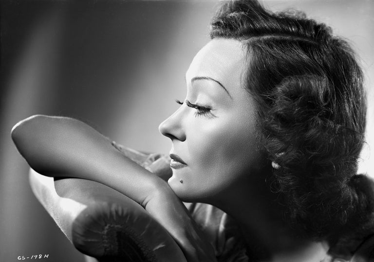Ernest Bachrach Portrait Photograph - Gloria Swanson Classical Glamour Portrait Fine Art Print