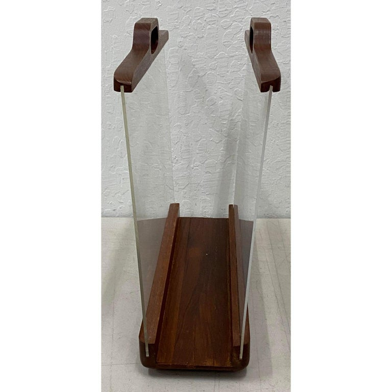 Ernest Sohn Siamese Teak and Acrylic Magazine Holder, circa 1960 In Good Condition For Sale In San Francisco, CA