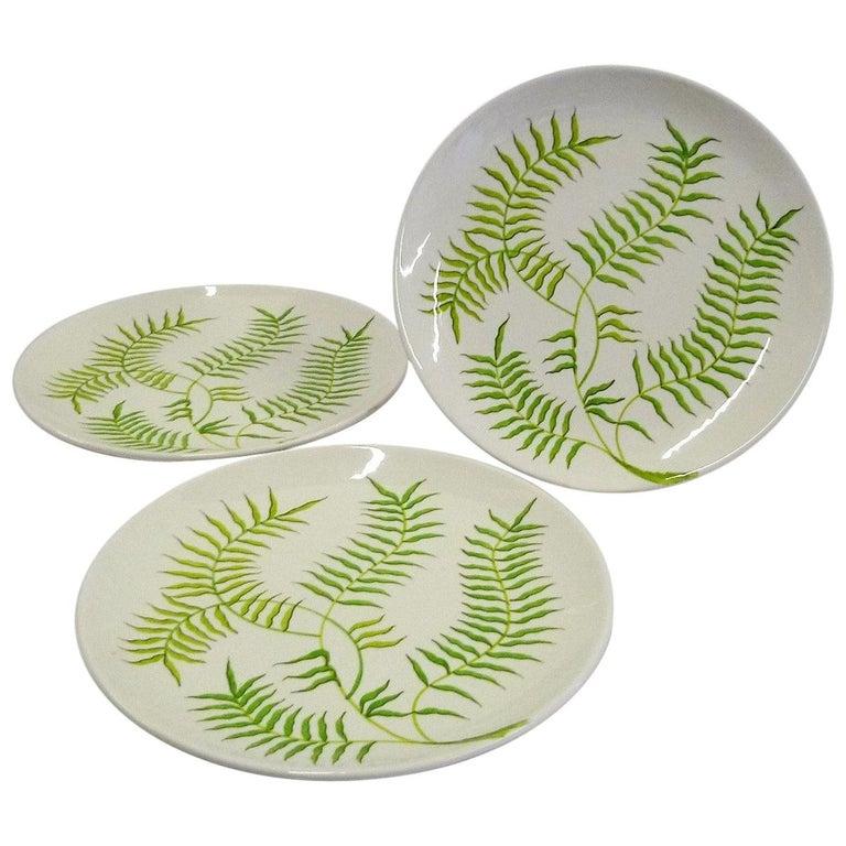 Mid-Century Modern Ernestine Ceramiche 8 Dinner / Serving Plates Fern Pattern Salerno, Italy, 1960s