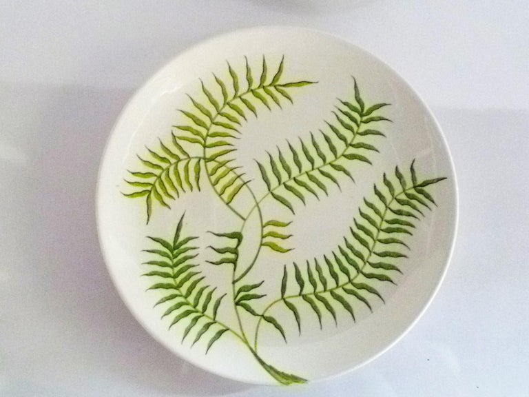 Italian Ernestine Ceramiche 8 Dinner / Serving Plates Fern Pattern Salerno, Italy, 1960s